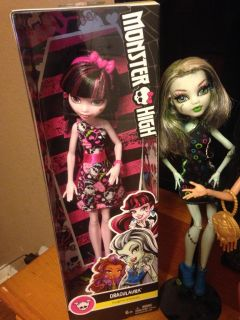 Monster high dolls with stands