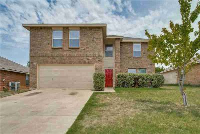 4912 Parkrise Drive FORT WORTH, Amazing, well maintained 4