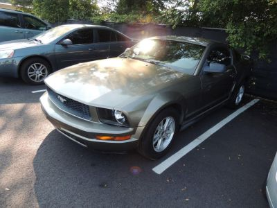 2005 Ford Mustang V6 Deluxe (GRY)