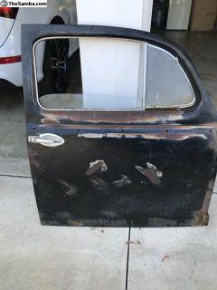 Oval window Passenger side Complete door.