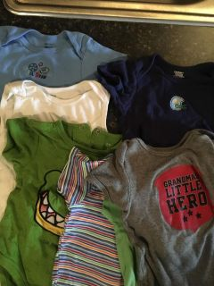 8 onesies size 12 months