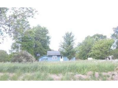 2 Bed 1 Bath Foreclosure Property in Winslow, IN 47598 - S County Road 50 E