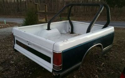 Buy 1989 GMC SWB truck bed - fits 1982-93 motorcycle in McKenzie, Tennessee, United States, for US $449.99