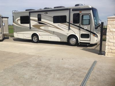 2011 Tiffin Motorhomes 28B