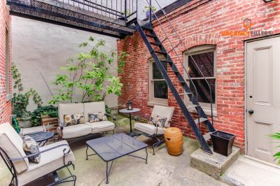 HUGE and charming 2 floor,1 bed in central Mount Vernon w/patio!