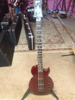 LES PAUL BASS