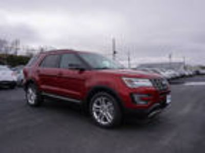 2017 Ford Explorer Red, 613 miles