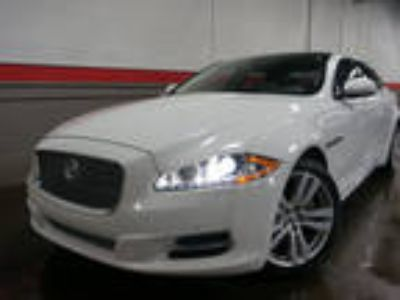 2012 Jaguar XJ White, 76K miles