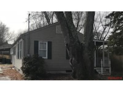 2 Bed 1 Bath Foreclosure Property in Wallkill, NY 12589 - Lavoletta St