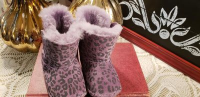 Uggs Size 2/3