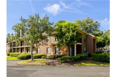 Outstanding Opportunity To Live At The Augusta City Club