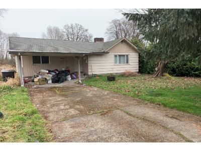 2 Bed 1 Bath Preforeclosure Property in Longview, WA 98632 - 33rd Ave