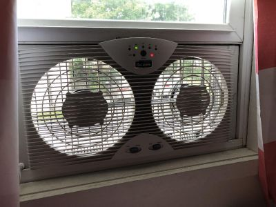 Holmes Window Fan with Thermostat