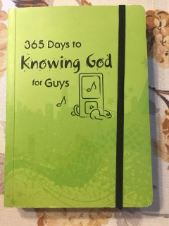 New! 365 days Knowing God for Guys
