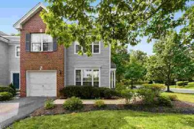 101 Crest Stone Cir Princeton Three BR, This Gem of a townhome is