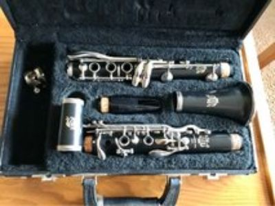 Clarinet/ Purchased From Ellman s Music in Naperville