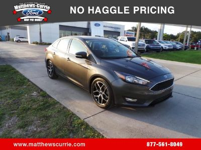 2017 Ford Focus SEL (magnetic)
