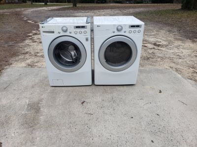 LG Front Loading Washer And Dryer!