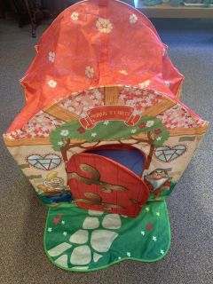 Snow White pop up play tent