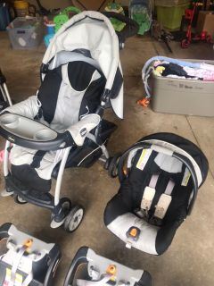 Chicco Car Seat, Stroller, and 3 Bases