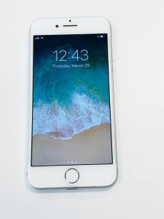 Apple iPhone 7 128GB Silver Unlocked For Any Carrier