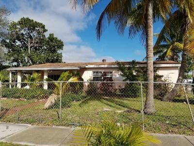 3 Bed 1 Bath Preforeclosure Property in Miami, FL 33179 - NE 214th St
