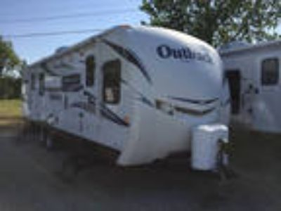 2012 Keystone Outback 260FL 31ft