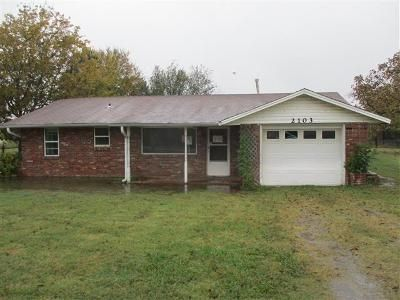 3 Bed 2 Bath Foreclosure Property in Pocola, OK 74902 - N Gray St