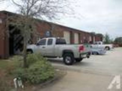 1000ft - 1000 sqft warehouses W office (Gulf Breeze near Zoo) (