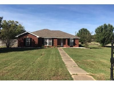 3 Bed 2.5 Bath Preforeclosure Property in Pike Road, AL 36064 - Stableway Rd