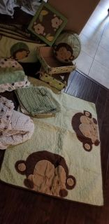 Crib bedding 14pc like new for boy or girl