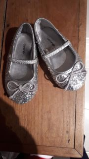 Sparkly silver shoes size 5 toddler