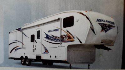 2012 Keystone Avalanche 330RE