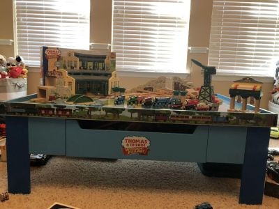 Thomas train table and set