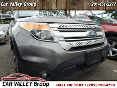 2014 Ford Explorer XLT (Gray)