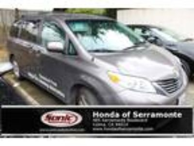 Used 2013 Toyota Sienna Gray, 158K miles