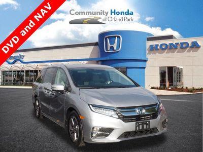 2018 Honda Odyssey Touring (Lunar Silver Metallic)