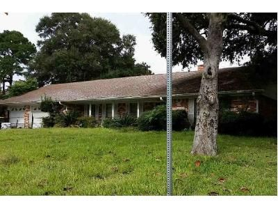 3 Bed 2 Bath Foreclosure Property in Baytown, TX 77521 - Somerset Dr