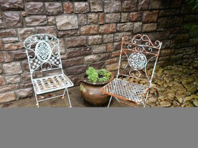 Beautiful outdoor folding table and 2 chairs