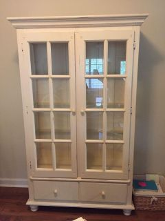 Kitchen Hutch- MUST PICKUP ON 280 - Great condition. Will sell hutch pictured as set.