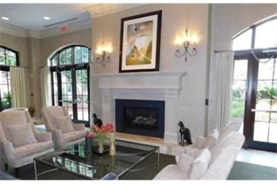 Rockville - Bright and sunny 1 spacious 1 bedroom unit with wood floors.