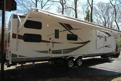 By Owner! 2014 35ft. Winnebago One 32BH w/slide