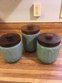 3 kitchen canisters