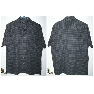 Size Medium - Men's Black & Gray Collared, Short Sleeve, Button Front, Dress or Casual Shirt by Van Heusen