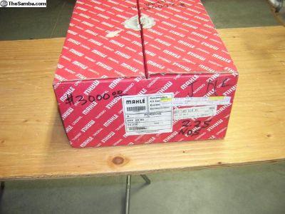 Porsche 2.2S pis/cyl set NOS 911 103 918 01