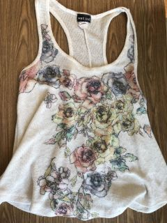 Wet Seal Knit Top! Adorable but has a small snag, see pics. Still Cute! SZ M