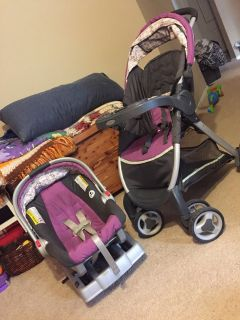 Click connect Graco stroller and carseat