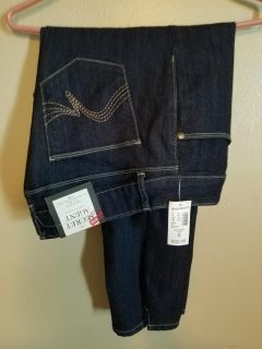 3/4 length jeans never worn. Size 8