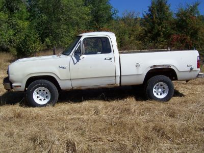1977 Dodge Power Wagon W100 Short Box With 1968 440
