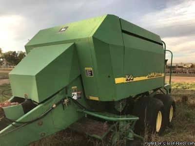 John Deere 100 Big Square Baler